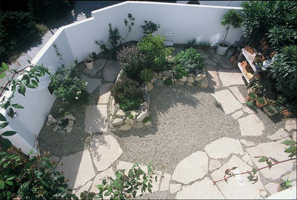 Xeriscape garden. Photo courtesy of: Owen Dell, Landscape  Architect/Landscape Contractor. www.owendell.com