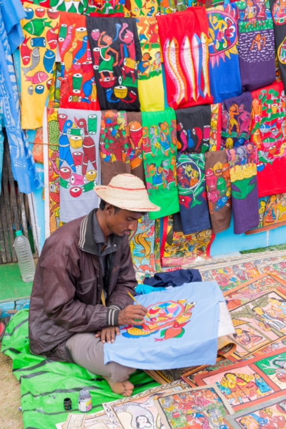 Painted handmade clothes, Indian handicrafts fair at Kolkata, India ID 48981431 © Rudra Narayan Mitra | Dreamstime.com