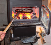 Country Living | A Wood-fired Pizza Oven for the Masses