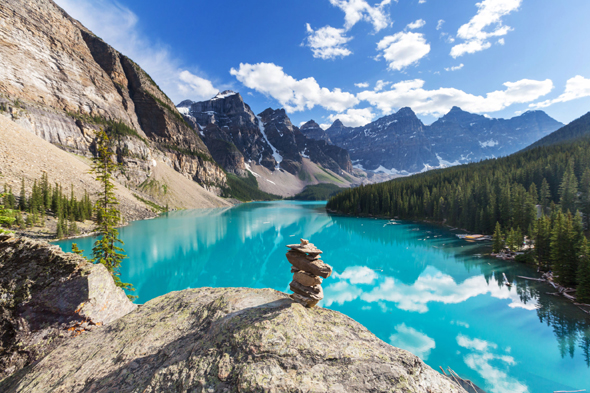 Beautiful Moraine Lake in Banff National Park. Photo: 123rf.com/ Galyna Andrushko Id 44231383