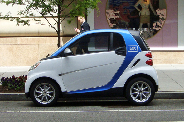Car 2 Go is one of several car-sharing services in major cities around the globe. Photo: Mario Roberto Duran Ortiz/Wikimedia Commons